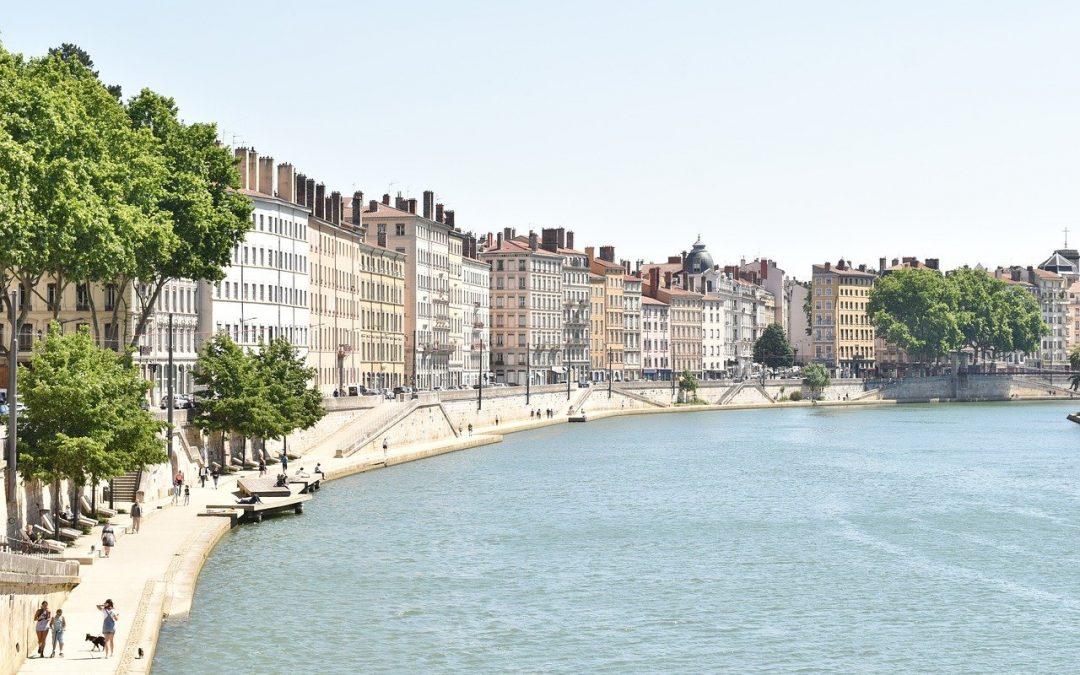 Qui appeler le dimanche sur Lyon pour un dépannage de serrurerie ?